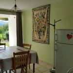 Terrasse - cuisine - repas Gîte la Rhune, gites basques à Ainhoa, Pays basque, vacances Pyrénées Atlantiques, Gîtes de France